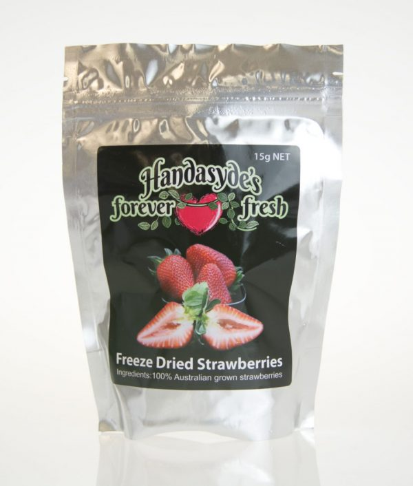 A silver packet of freeze dried strawberries with the Hanasyde's label.