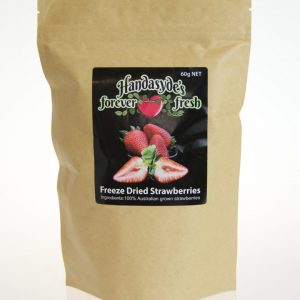A card coloured package of freeze dried strawberries with the Hanasyde's label.